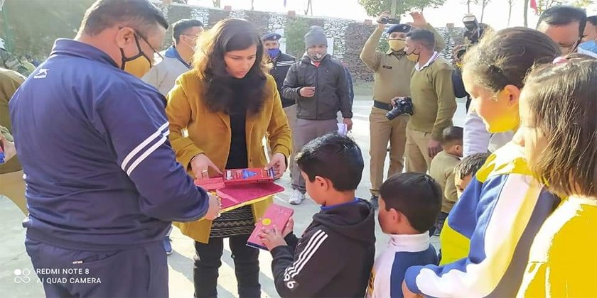 On the occasion of Republic Day, police line Chamba organized colorful programs in Tehri Garhwal