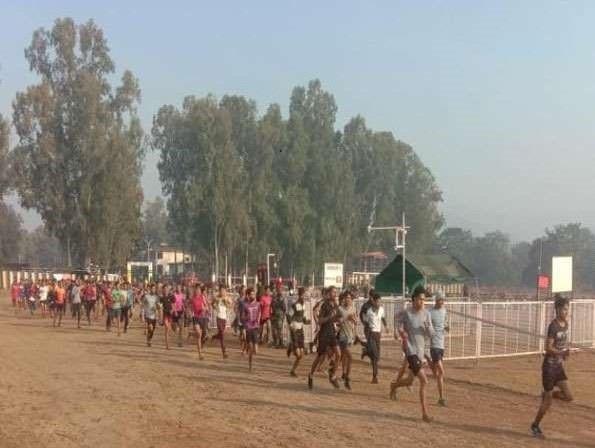सेना भारती रैली: उत्तराखंड में सेना भर्ती रैली शुरू, पहले दिन 522 युवाओं ने पार की दौड़ की बाधा ; कोविद -19 की नेगेटिव रिपोर्ट दिखाने पर प्रवेश ओर रुद्रप्रयाग जिले के युवा आज अपनी ताकत दिखाएंगे