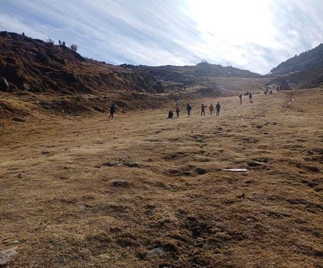 Uttarakhand: औली की सैर के लिए आए पांच दोस्तों में से एक लापता, तलाश में जुटी SDRF; न्यू इयर सेलिब्रेट करने आए थे नोएडा से