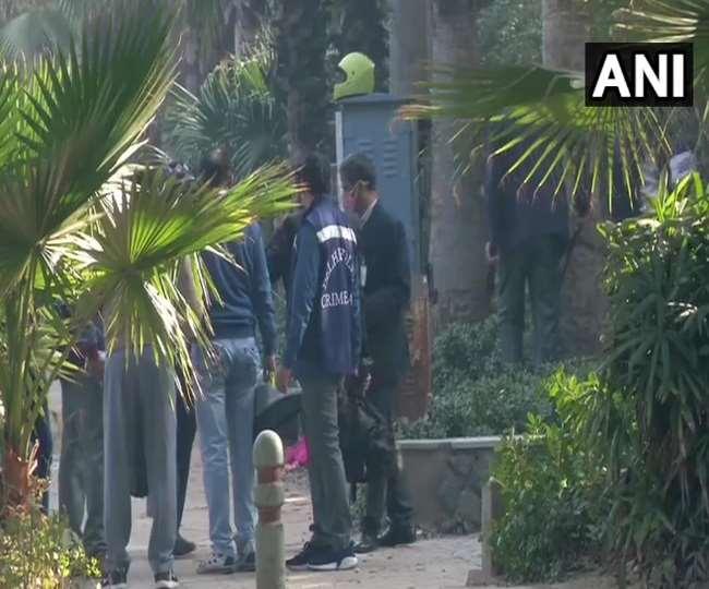Israel Embassy Blast:सीसीटीवी में दिखे 2 शख्स, दिल्ली पुलिस स्पेशल को मिला अहम सुराग