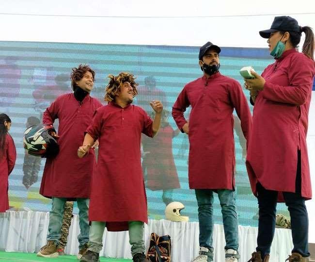 Uttarakhand : नुक्कड़ नाटक के जरिए लोगों को किया जागरूक, राष्ट्रीय सड़क सुरक्षा माह शुरू, डीजीपी ने किया शुभारंभ