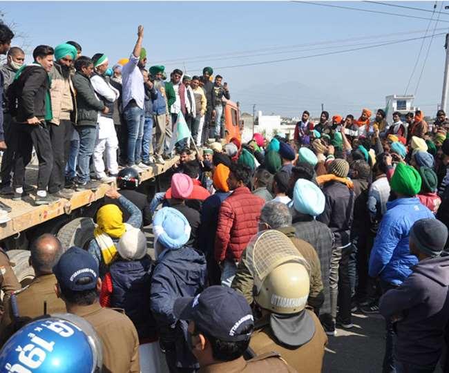 Uttarakhand Kisan Andolan : हाईवे पर किया हंगामा, देहरादून जुलूस रोकने पर भड़के किसान