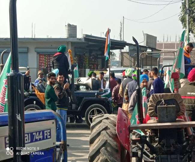 उत्तराखंड Kisan Andolan :पुलिस के साथ झड़प की स्थिति; दून मार्ग पर यातायात बंद, किसानों ने किया राजभवन के लिए कूच