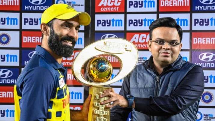 कप्तान दिनेश कार्तिक ने दिया ये बयान ट्रॉफी जीतने के बाद