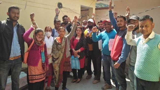 उत्तराखंड : मनरेगा कर्मियों की अनिश्चितकालीन हड़ताल शुरू