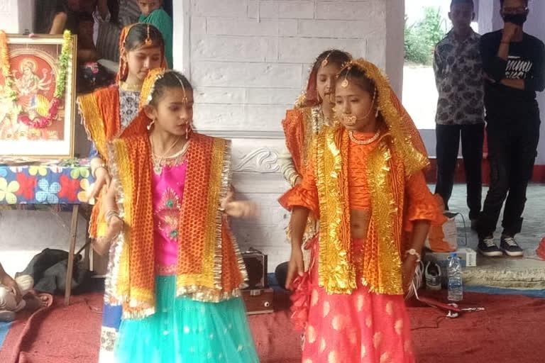 उत्तराखंड : रंगारंग आगाज ऐतिहासिक स्याल्दे बिखौती मेले का , शानदार प्रस्तुति दी बच्चों ने