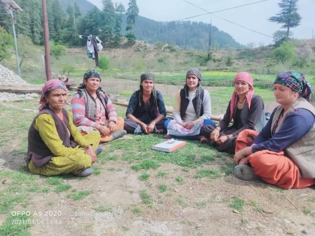 उत्तराखंड: बंगाण की महिलाएं समाज को नशा मुक्त बनाने के लिए एकजुट हुईं