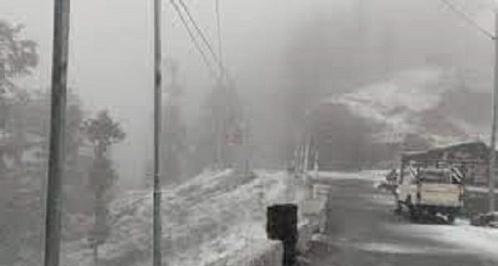 उत्तराखंड : बारिश और बर्फबारी के बाद उत्तराखंड में ठंड बढ़ी, जानिए अप्रैल में कहां हुई बर्फबारी