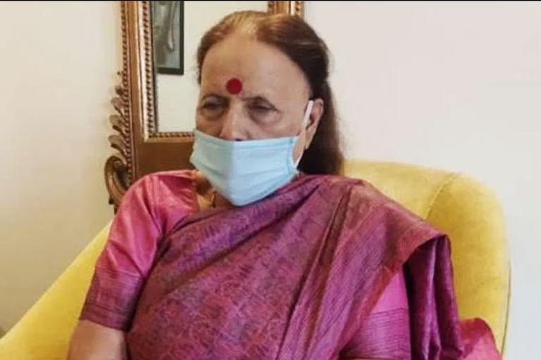 उत्तराखंड : इंदिरा कोरोना के खिलाफ लड़ने के लिए आगे आईं, नगर निगम को सैनिटाइजेशन के लिए 10 लाख दिए