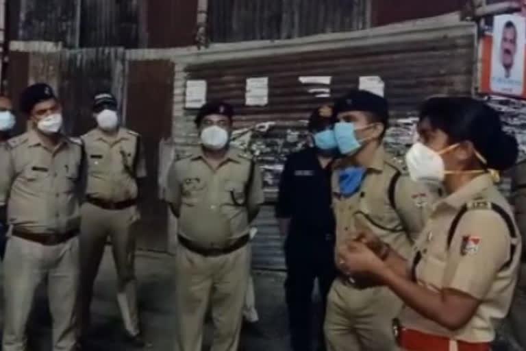 उत्तराखंड : एसएसपी खुद कोविड कर्फ्यू को सख्ती से लागू कराने के लिए संभाला मोर्चा