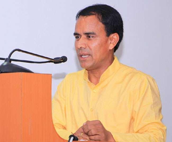 उत्तराखंड : उच्च शिक्षा राज्य मंत्री धन सिंह रावत ने कहा, 20 दिनों के भीतर 30 बेड का अस्पताल बनाएं