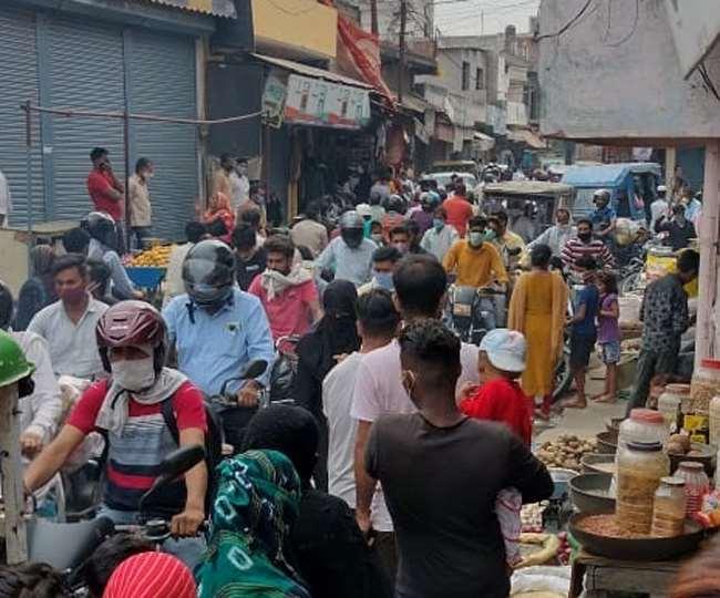 उत्तराखंड रुड़की: सुधरने को तैयार नहीं लोग भगवानपुर में, बाजार में उमड़ी भीड़