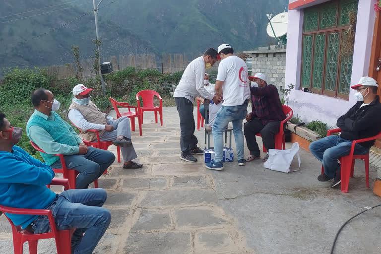 उत्तराखंड : रेडक्रॉस सोसाइटी की टीम बागेश्वर और पिथौरागढ़ जिले के उच्च हिमालयी क्षेत्र में बसे दर्जनों गांवों में पहुंची