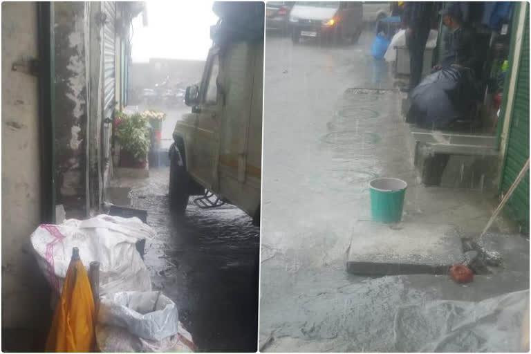 उत्तराखंड मसूरी : मसूरी में नालियां बंद होने से सड़कों और दुकानों में भरा गंदा पानी, लोग परेशान