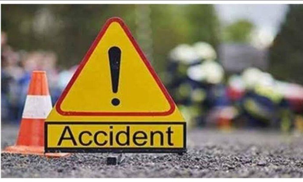 उत्तराखंड टिहरी : अनियंत्रित वाहन गिरा खाई में , एक की मौत, चालक गंभीर रूप से घायल