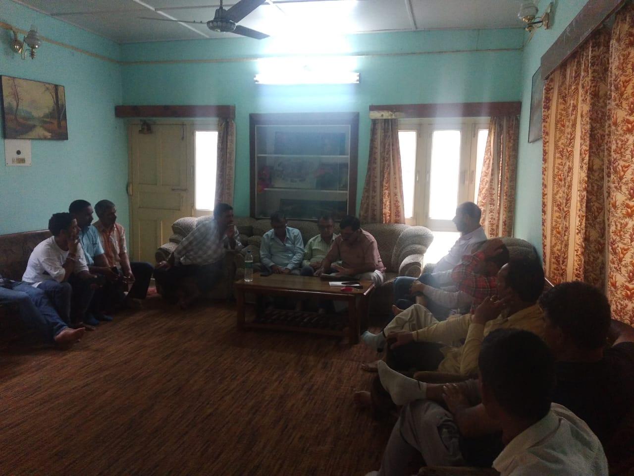 उत्तराखंड : विकासखंड जौनपुर के तहसील नैनबाग के अंतर्गत सस्ता गल्ला विक्रेताओं की अपनी समस्याओं को लेकर एक बैठक लोक निर्माण विभाग के गेस्ट हाउस में संपन्न हुई