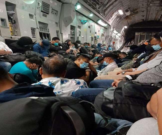 उत्तराखंड : काबुल से उड़ान भरते ही 89 उत्तराखंडियों की सांस में सांस आई , 89 उत्तराखंडी कजाकस्तान पहुंचे ; घर जल्द लौटेंगे