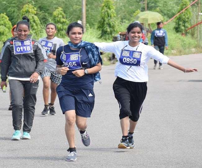 उत्तराखंड वन रक्षक भर्ती : पहाड़ की सभी बेटियां दौड़ में पास, पुरूषों की दौड़ आज