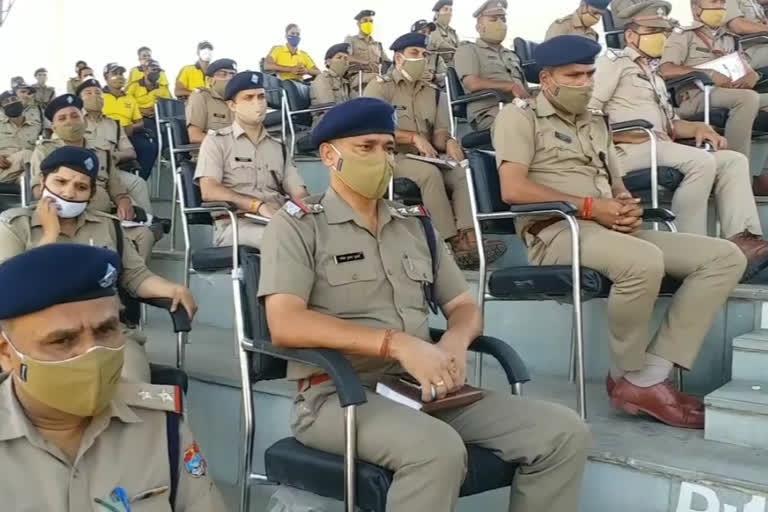 उत्तराखंड: पुलिसकर्मियों को साप्ताहिक अवकाश देने का आदेश जारी, बढ़ सकता है ड्यूटी का समय