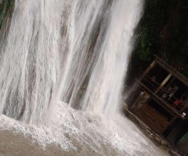 उत्तराखंड मसूरी न्यूज़ : अब वीकेंड पर ही जा सकेंगे मसूरी में पर्यटक, तालाब-नदी में जाने की नहीं मिलेगी अनुमति