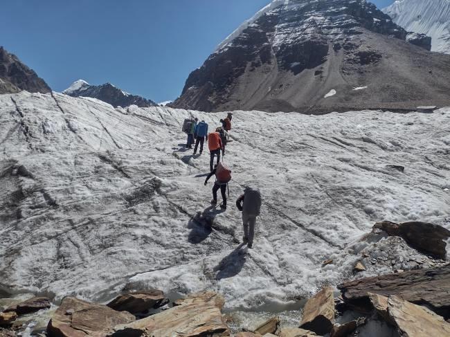 उत्तराखंड उत्तरकाशी न्यूज़ : दुनिया का सबसे ऊंचा ट्रैक ट्रैकरों से खुशगवार बना रहा