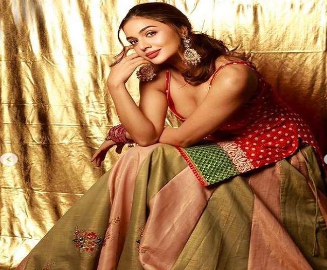 बॉलीवुड न्यूज़ : बिग बॉस ओटीटी विनर दिव्या अग्रवाल ने कहा शमिता शेट्टी से संपर्क नहीं करेंगी