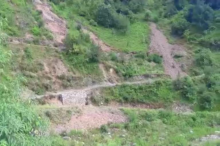 उत्तराखंड धनौल्टी न्यूज़ : 4 विधायक बदले लेकिन सड़क नहीं पहुंची, ठगे गए डुंडा-नकुर्ची के ग्रामीण