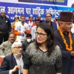 उत्तराखंड नैनीताल न्यूज़ : मोदी समर्थक लड़की ने आप के मंच पर किया हंगामा