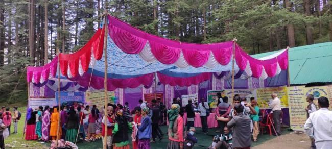 उत्तराखंड चकराता न्यूज़ : कोटी-कनासर में आयोजित बहुउद्देशीय शिविर में ग्रामीणों ने अपनी समस्या बताई