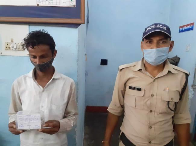 उत्तराखंड विकासनगर न्यूज़ : हरबर्टपुर में सिंचाई कर्मचारी के घर का ताला तोड़कर दिनदहाड़े लाखों रुपये की चोरी , चोरी मामले में एक गिरफ्तार
