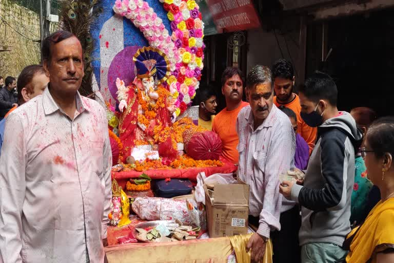 उत्तराखंड मसूरी न्यूज़ : गणपति बप्पा मोरया के मंत्रोच्चार के साथ गणपति जी की मूर्ति का विसर्जन