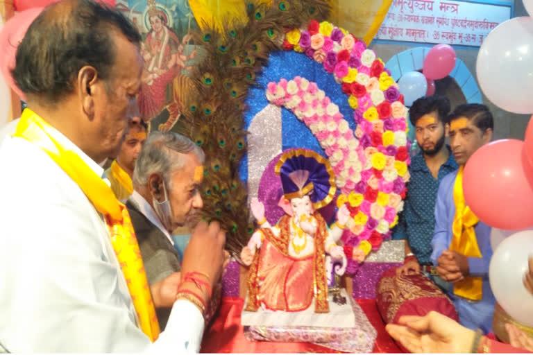 उत्तराखंड मसूरी न्यूज़ : उत्तराखंड में घर-घर विराजमान हुए विघ्नहर्ता 'गणपति बप्पा मोरया' जयकारे के साथ