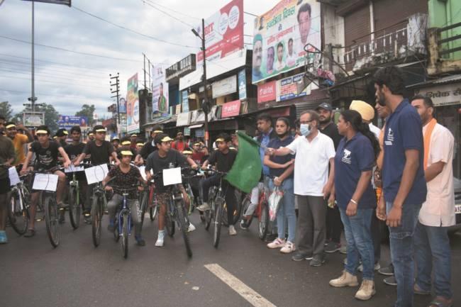 उत्तराखंड विकासनगर न्यूज़ : नशीले पदार्थों के विरोध में वारियर लड़कियों ने निकाली साइकिल रैली