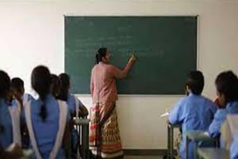 उत्तराखंड देहरादून न्यूज़ : राज्य के सरकारी स्कूल होंगे अंग्रेजी मीडियम , शिक्षा विभाग तैयार कर रहा है रूपरेखा