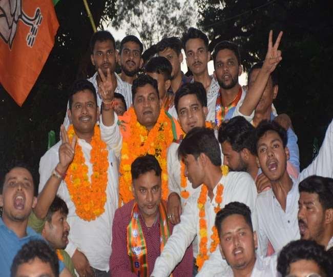 उत्तराखंड न्यूज़ : दिल्ली में भाजपा में शामिल होने के बाद पहली बार हल्द्वानी लौटे विधायक राम सिंह कैड़ा का भव्य स्वागत किया गया