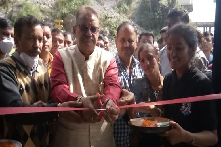 उत्तराखंड मसूरी न्यूज़ : कैबिनेट मंत्री गणेश जोशी ने मसूरी में एडवेंचर पार्क का किया उद्घाटन
