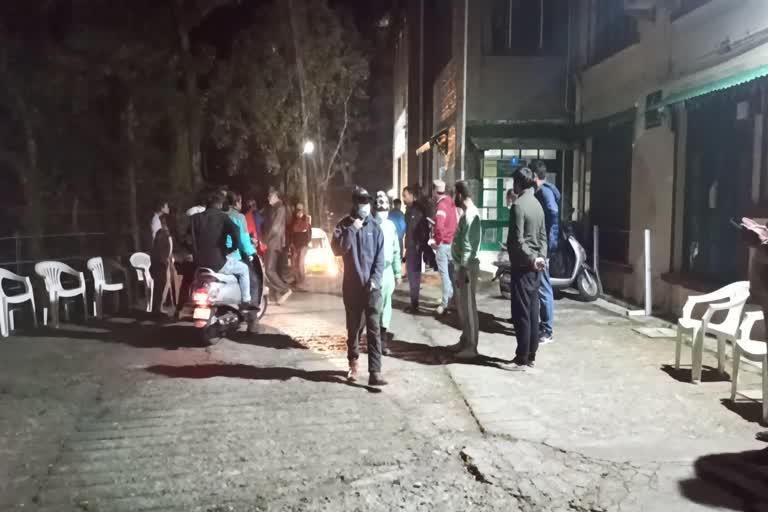 उत्तराखंड मसूरी न्यूज़ : मसूरी में गहरी खाई में गिरी जीप, दो लोग घायल