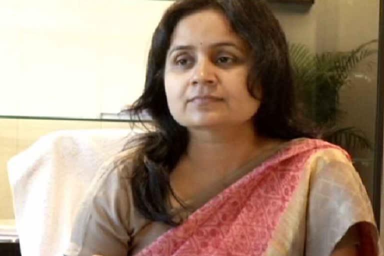 उत्तराखंड ब्रेकिंग न्यूज़ : सरकार में बनी चर्चा का विषय IAS राधिका झा की छुट्टी,नाराजगी बताई जा रही है वजह !