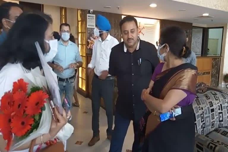 उत्तराखंड न्यूज़ : कोरोना व डेंगू को लेकर स्वास्थ्य विभाग अलर्ट, अधिकारियों को दिया निर्देश